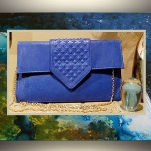 🔷️🔹️🔷️ Moda Luxe Blue Clutch 🔷️🔹️🔷️